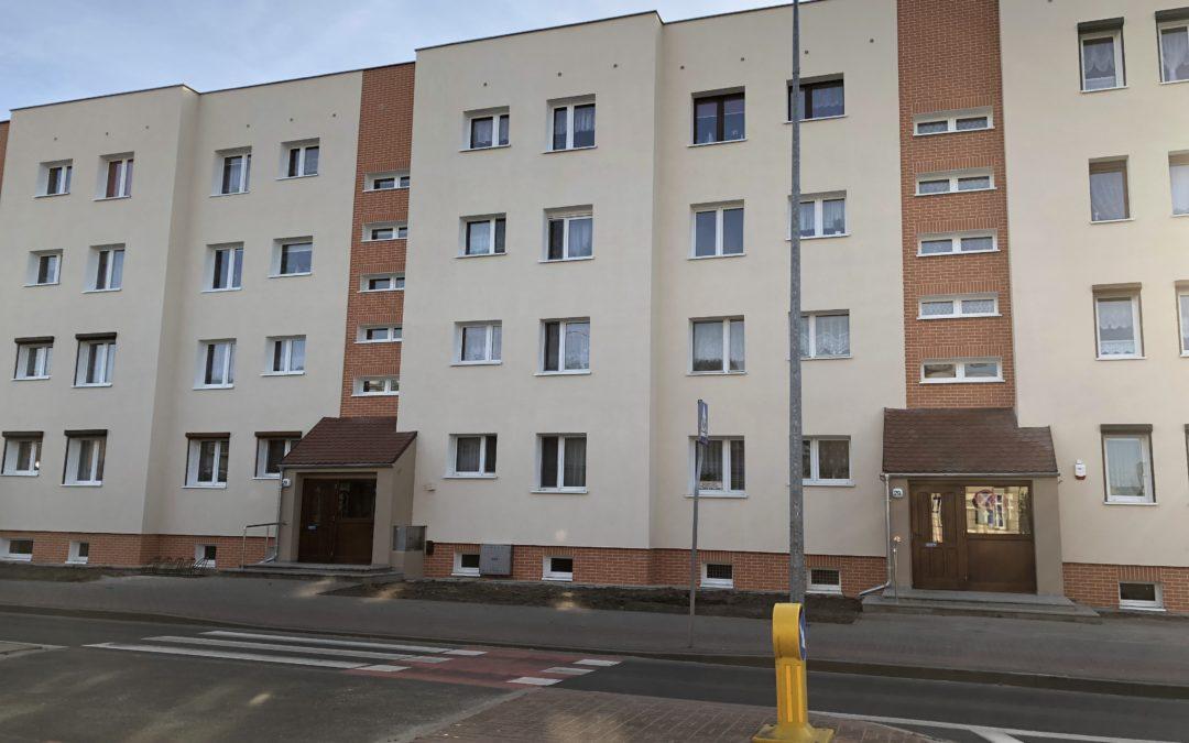 Zakończenie prac termomodernizacyjnych budynku przy ul. ks. Józefa Surzyńskiego 27-29a w Kościanie